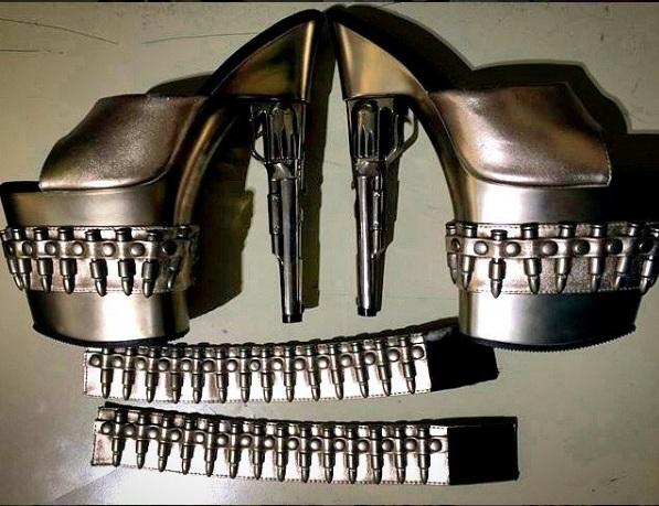 Sapatos de armas