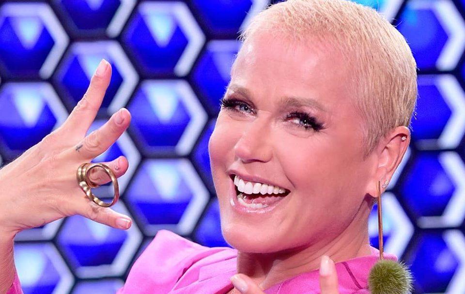 filme sobre a vida de Xuxa> foto da eterna rainha dos baixinhos sorrindo