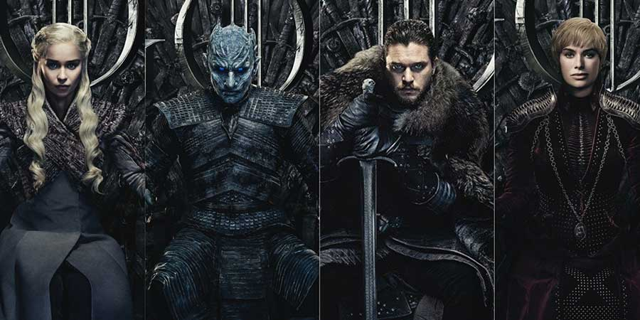 Diferentes personagens de Game of Thrones sentados no Trono de Ferro