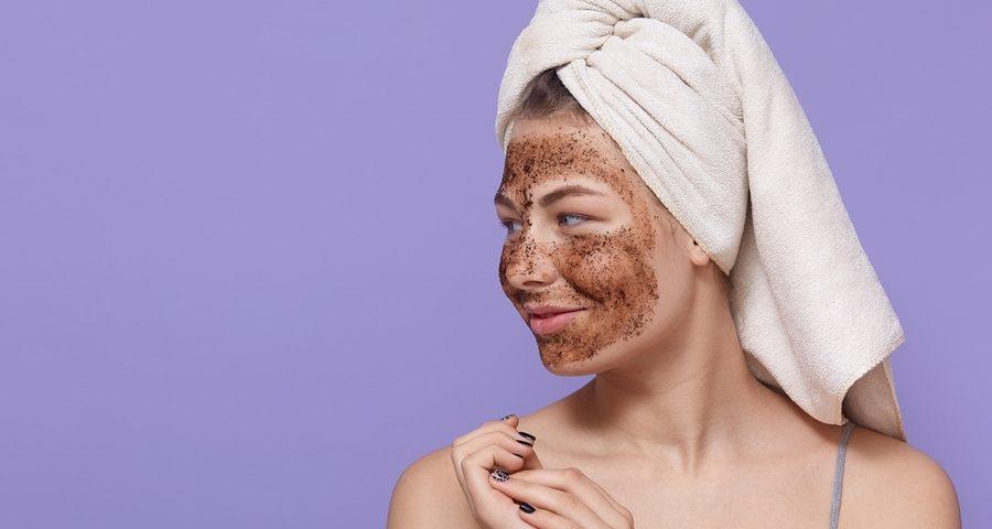 como fazer a esfoliação facial