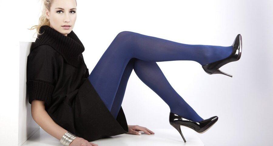 como apostar na meia-calça colorida no look de inverno