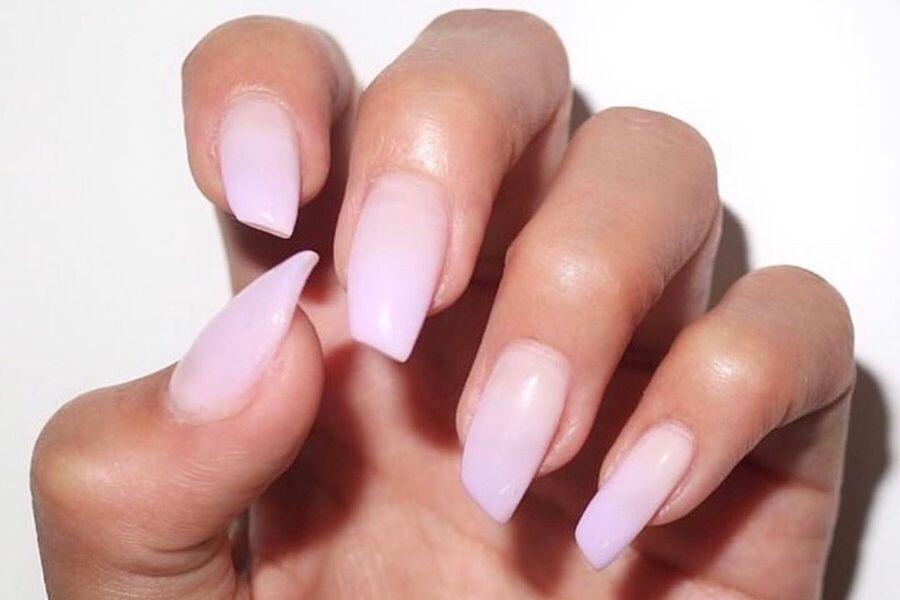 tudo sobre a nova trend do lipstick nail